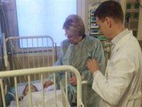 Спасенный в Магнитогорске младенец пошел на поправку