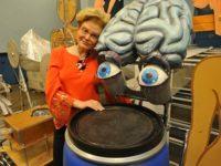 Эксперты раскритиковали Елену Малышеву за программу про детей-«кретинов»