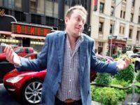Электромобиль Tesla попал в ДТП на МКАД из-за ошибки автопилота