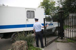 «Пытка старейшин» Адвокат: обвиняемых по «ингушскому делу» будут сутки возить в автозаке