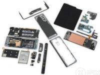 Складной Samsung Galaxy Fold разобрали на части