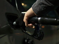 Рост цен на бензин зафиксирован почти в 20 российских регионах