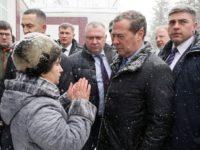 Две непохожие России. Одну видит начальник, другую — рядовой человек