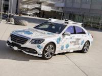 В Калифорнии появились беспилотные каршеринговые Mercedes