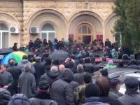 Как донецкие бойцы устроили «майдан» в Абхазии